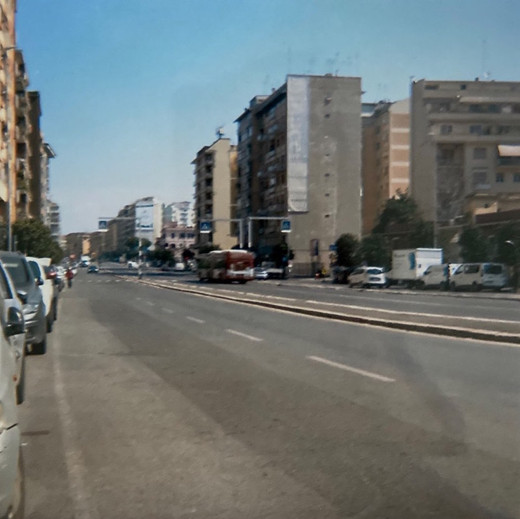 Via Tiburtina senza traffico. Roma.