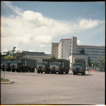 Crema, camion dell'esercito in partenza dopo aver smontato l'ospedale da campo a supporto dell'Ospedale maggiore. Maggio 2020