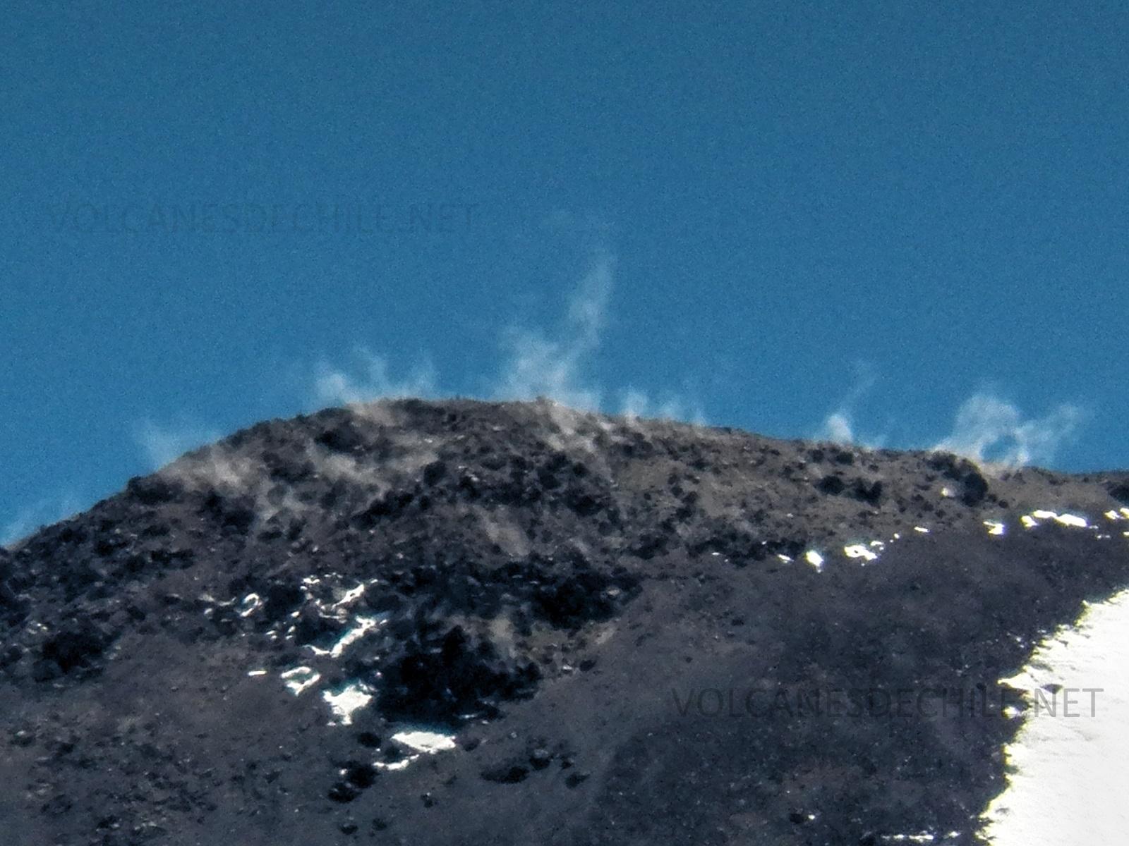 Fumarolas en Cima de Volcán Nuevo