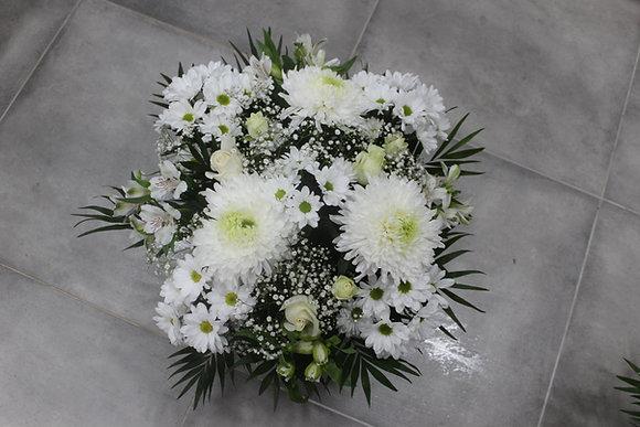 Coupe de fleurs tons blancs