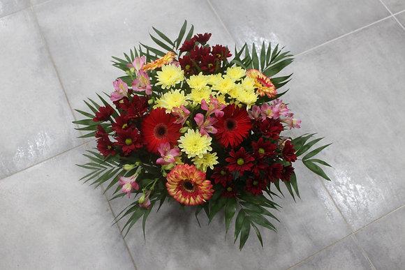 Coupe de fleurs dominante rouge et jaune