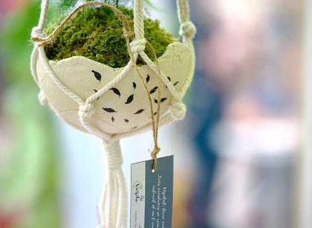 Une collaboration avec deux autres créatrices, au coeur du naturel (végétal, terre cuite et tissage)