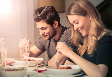 couple_eating_dinner.jpg.653x0_q80_crop-