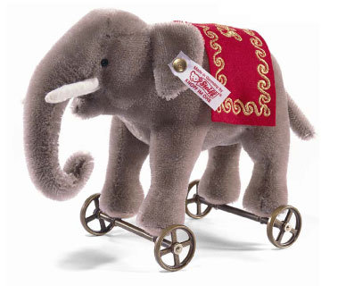 Steiff Elephant On Wheels