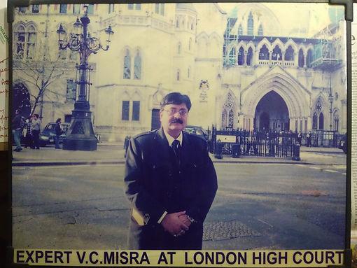 Handwriting expert vc mishra at london high court