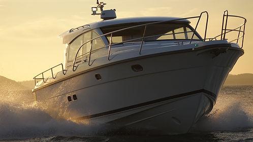 motor-yacht-634925_1920.jpg