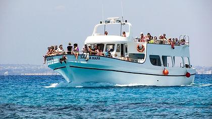 cruise-boat-1407422_1280.jpg