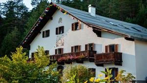 yoga-resort-alpen-retreat.jpg
