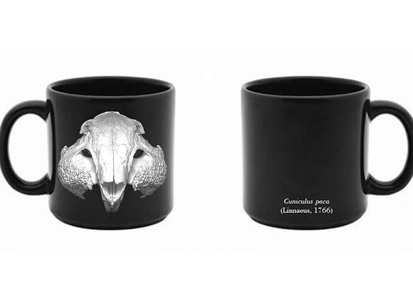 Caneca com crânio de paca (porcelana)