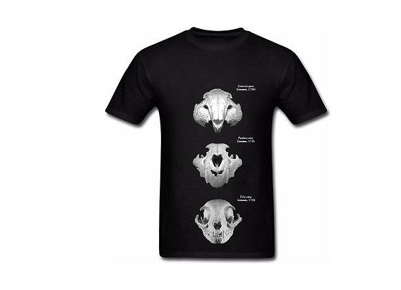 Camiseta com três crânios