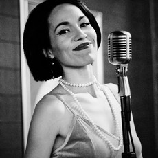 Female Crooner Torch Singer Jackie Lopez Music