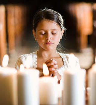 Praying Girl - Christian Counseling in Ohio.
