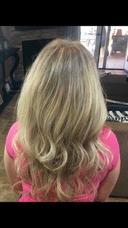 Natural Blonde Look