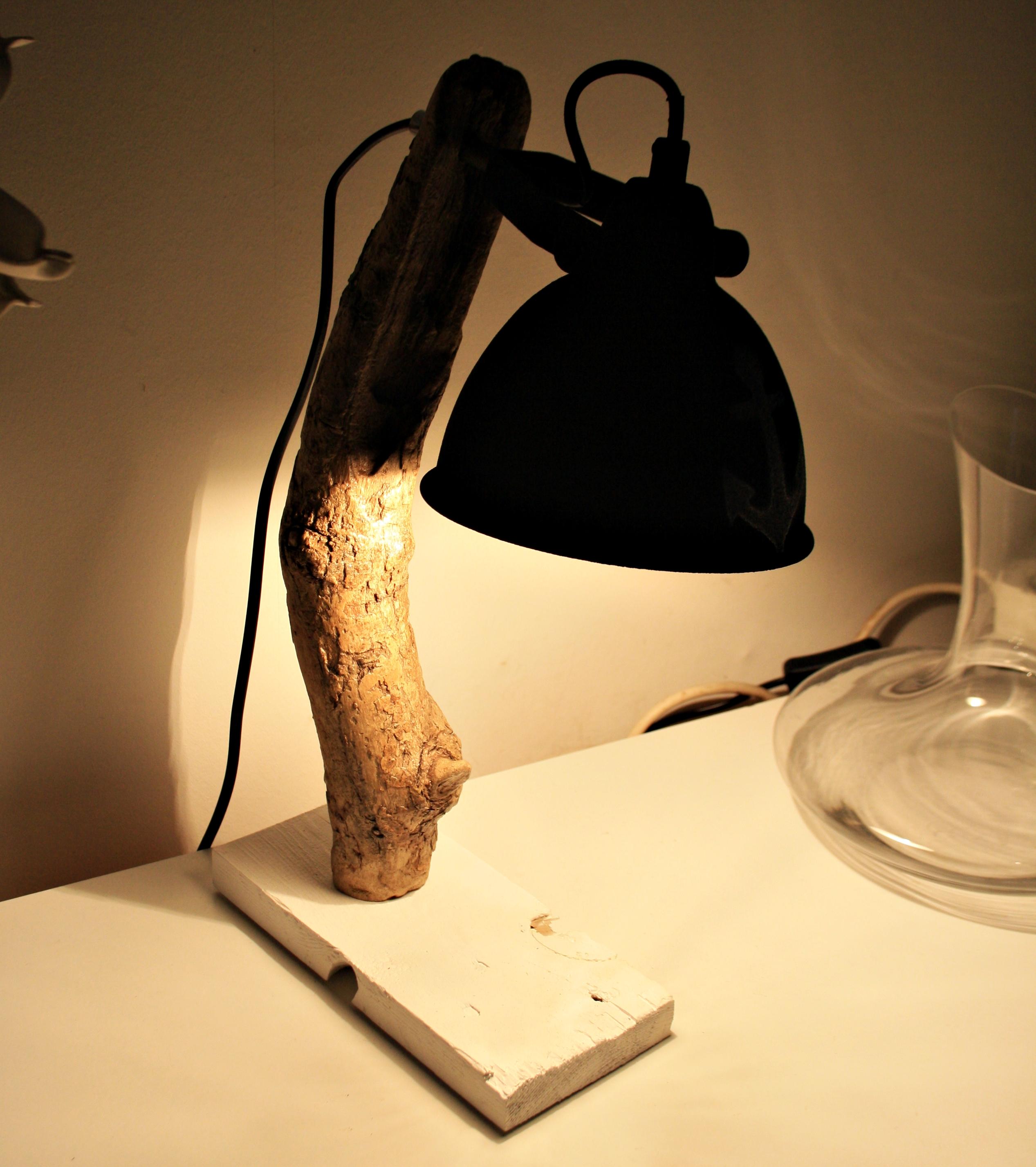 Treibholz Schreibtischlampe