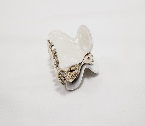 White Shell Mini Claw Hair Clip