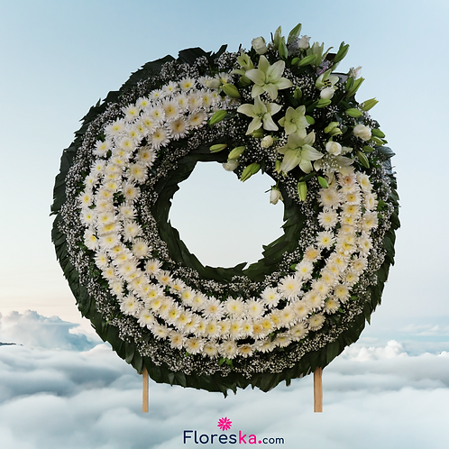 Corona Grande de Lilis, Rosas y flores blancas
