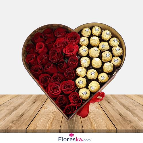 Corazón con 24 Rosas y Ferrero