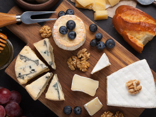 MAKE YOUR HOLIDAY CHEESE PLATE WITH BECFIN FRENCH SELECTION