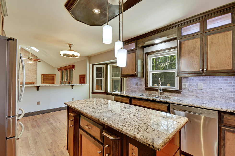 11. 323 Eastover Circle - South Pointe -