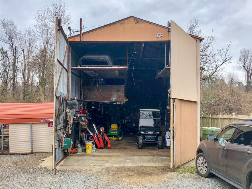 01. Outbuilding - 712 N Parlor Ave St Ge