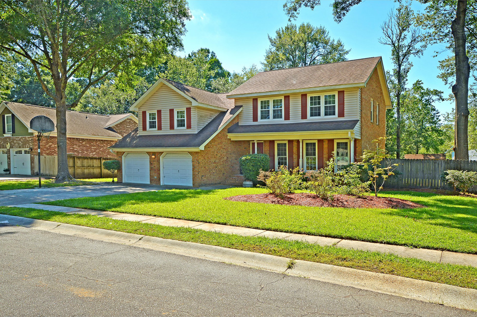 02. 323 Eastover Circle - South Pointe -