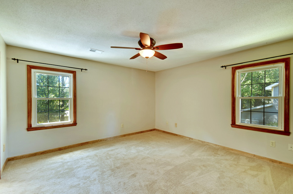 21. 323 Eastover Circle - South Pointe -