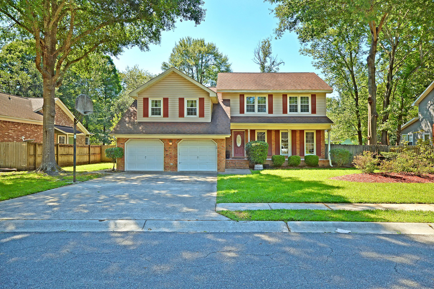 01. 323 Eastover Circle - South Pointe -