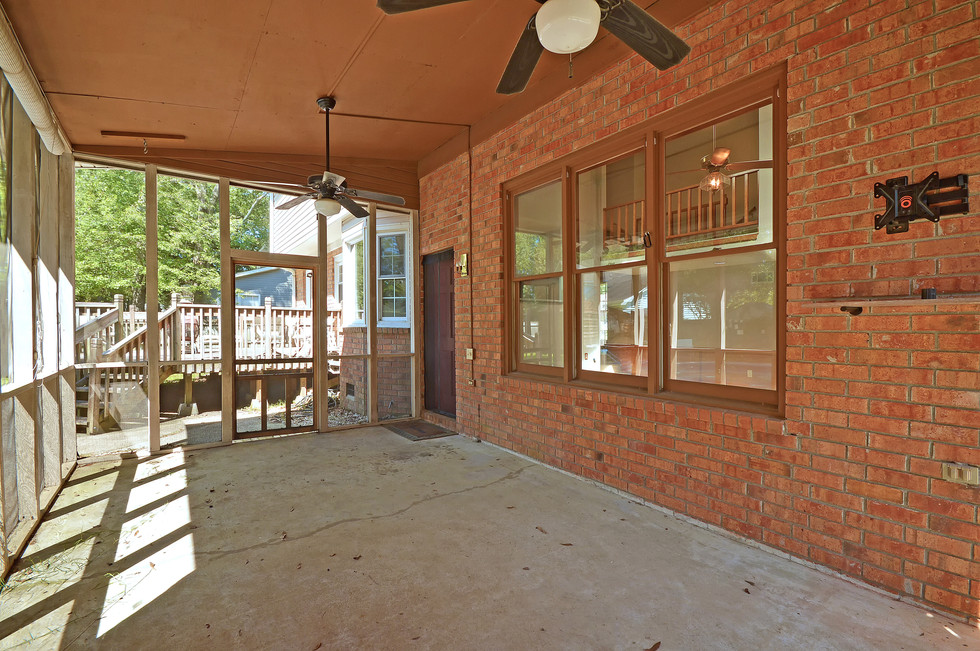 35. 323 Eastover Circle - South Pointe -