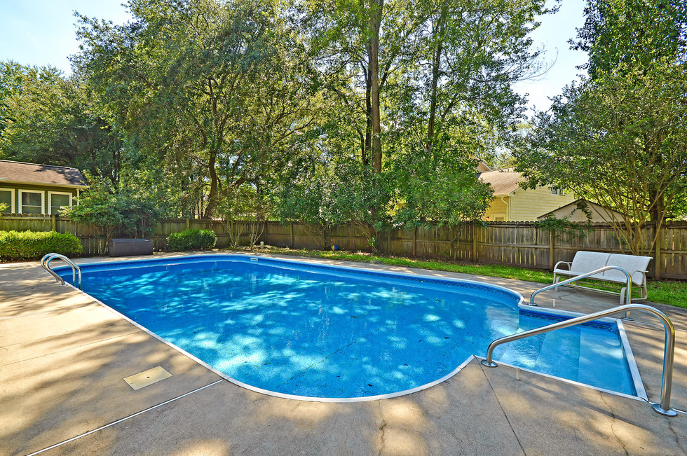36. 323 Eastover Circle - South Pointe -