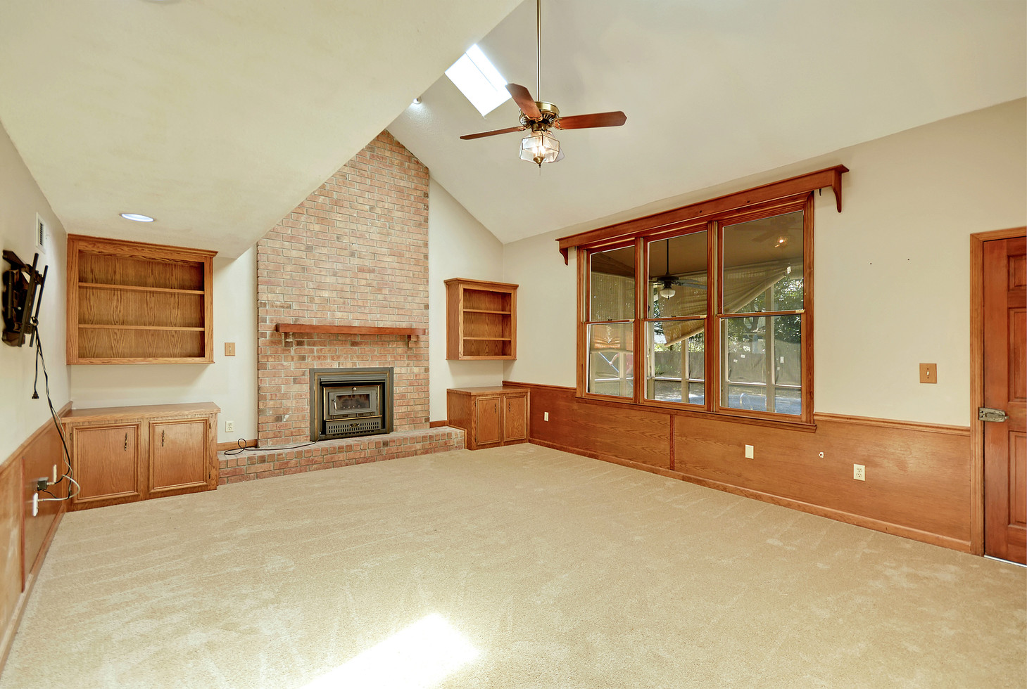 16. 323 Eastover Circle - South Pointe -