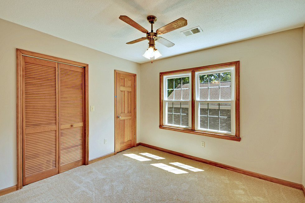 24. 323 Eastover Circle - South Pointe -