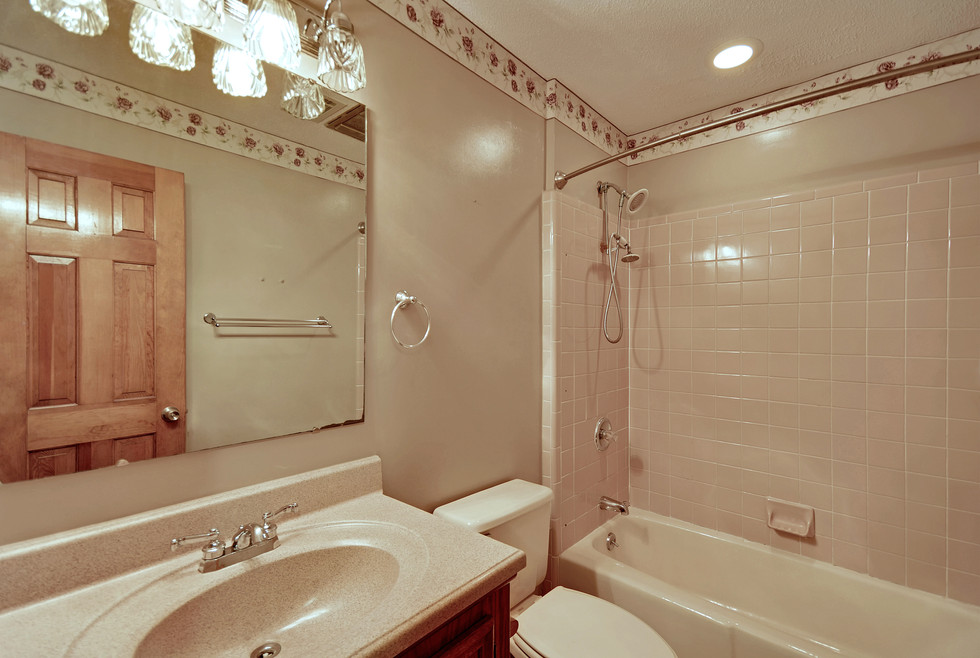 29. 323 Eastover Circle - South Pointe -