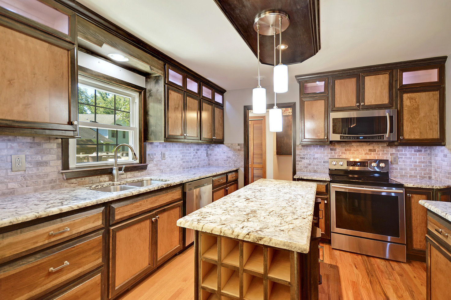 08. 323 Eastover Circle - South Pointe -