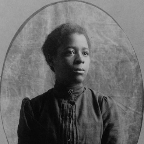 African American woman, half-length port
