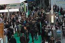 azafatas en fira de Barcelona para congresos, stand, modelos promocionales, reparto de publicidad, puntos de información
