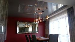 Sufit napinany w salonie