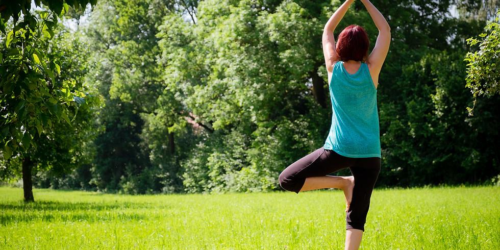 Sonnenschein Yoga im Garten