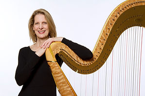 Cathy_Harp_CasualPose_43.jpg