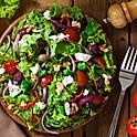 Míchaný salát s koprovou omáčkou