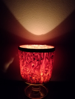 Wine glass candle light, maple.