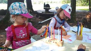 Kinder-beim-malen.jpg