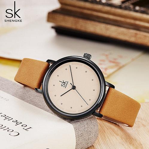 SK女性のレトロな革の時計