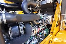 Резервни части за пътно строителни машини.
