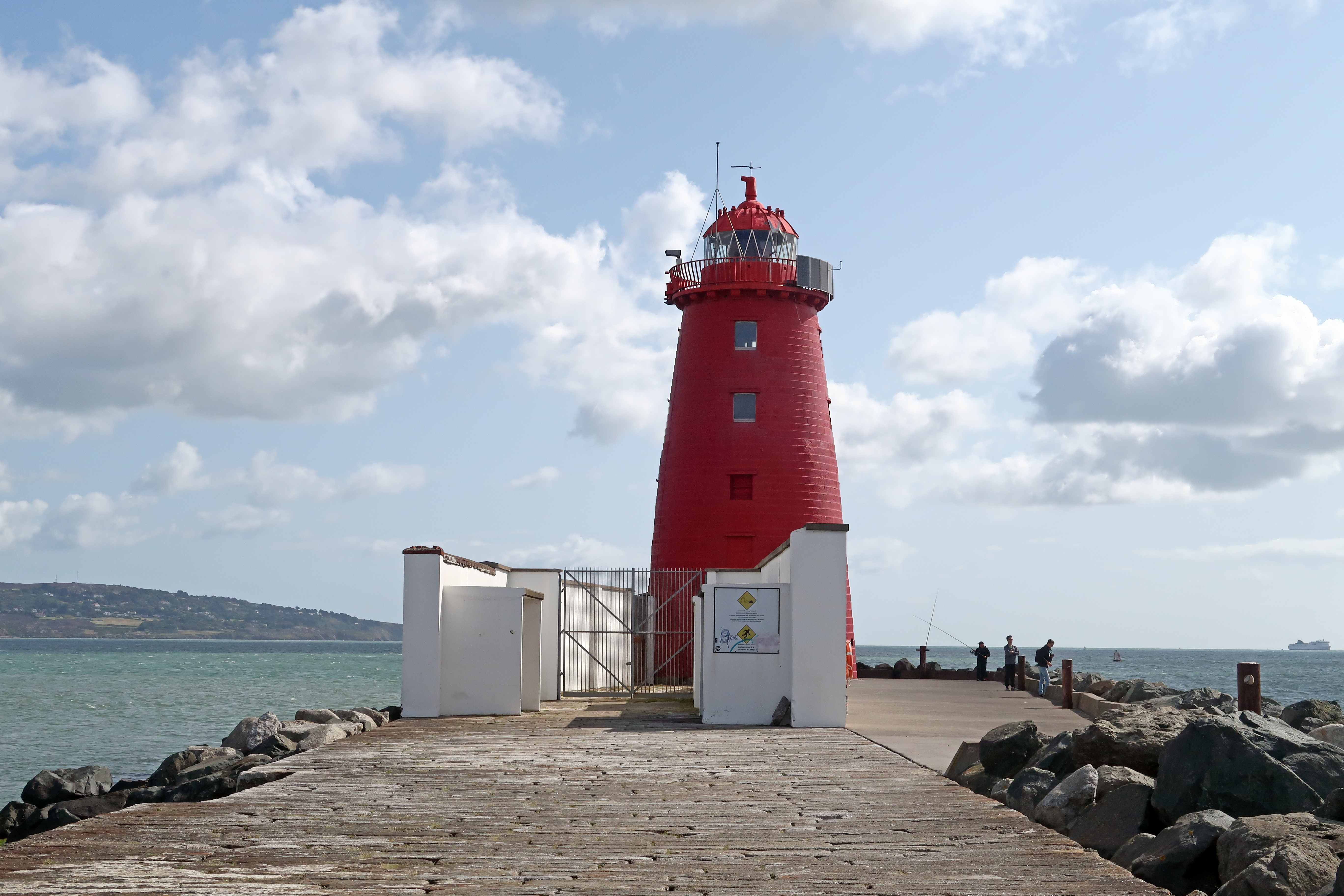 02 Poolbeg Lighthouse