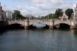 28 O'Connell Bridge