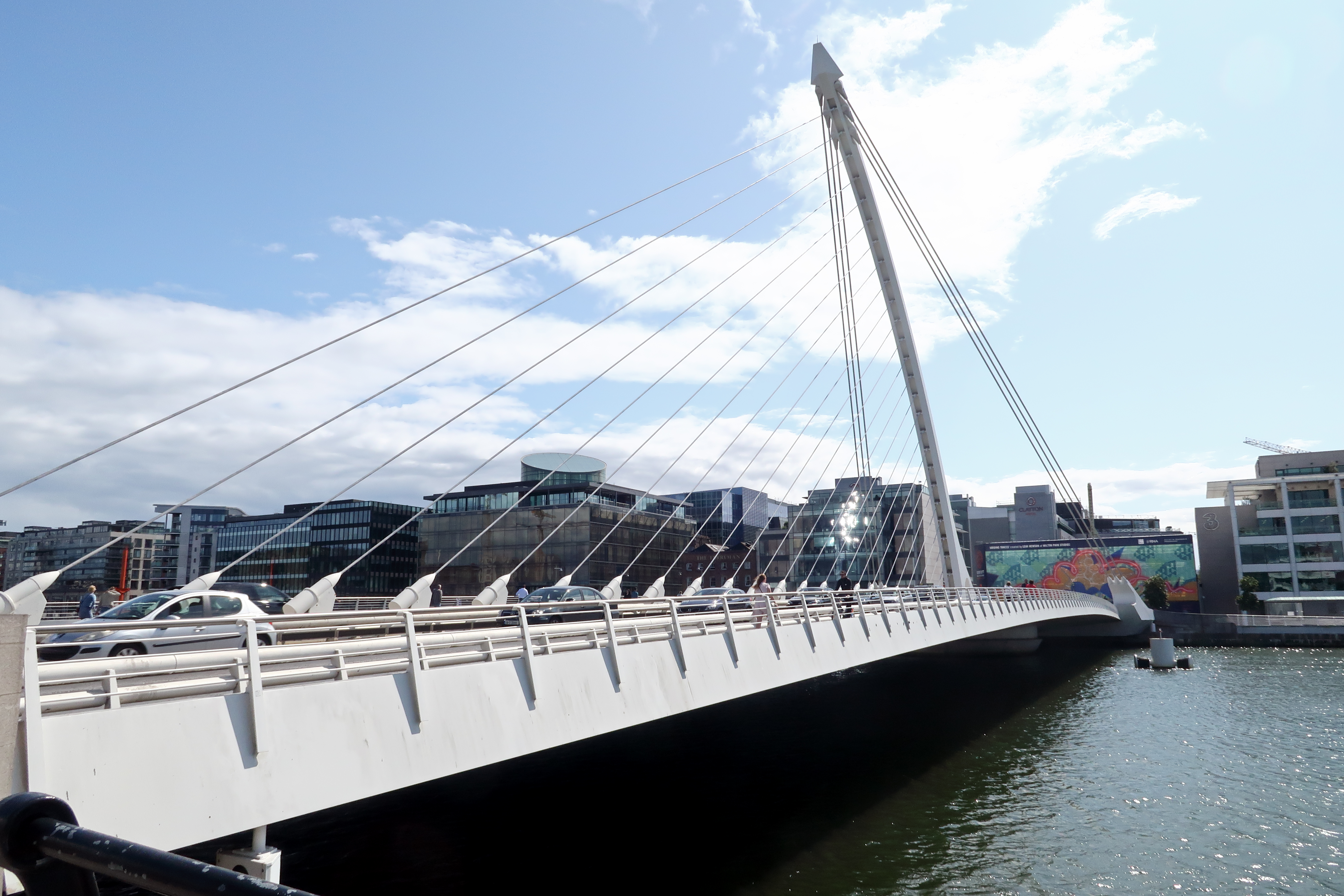 18 Samuel Beckett Bridge over the River