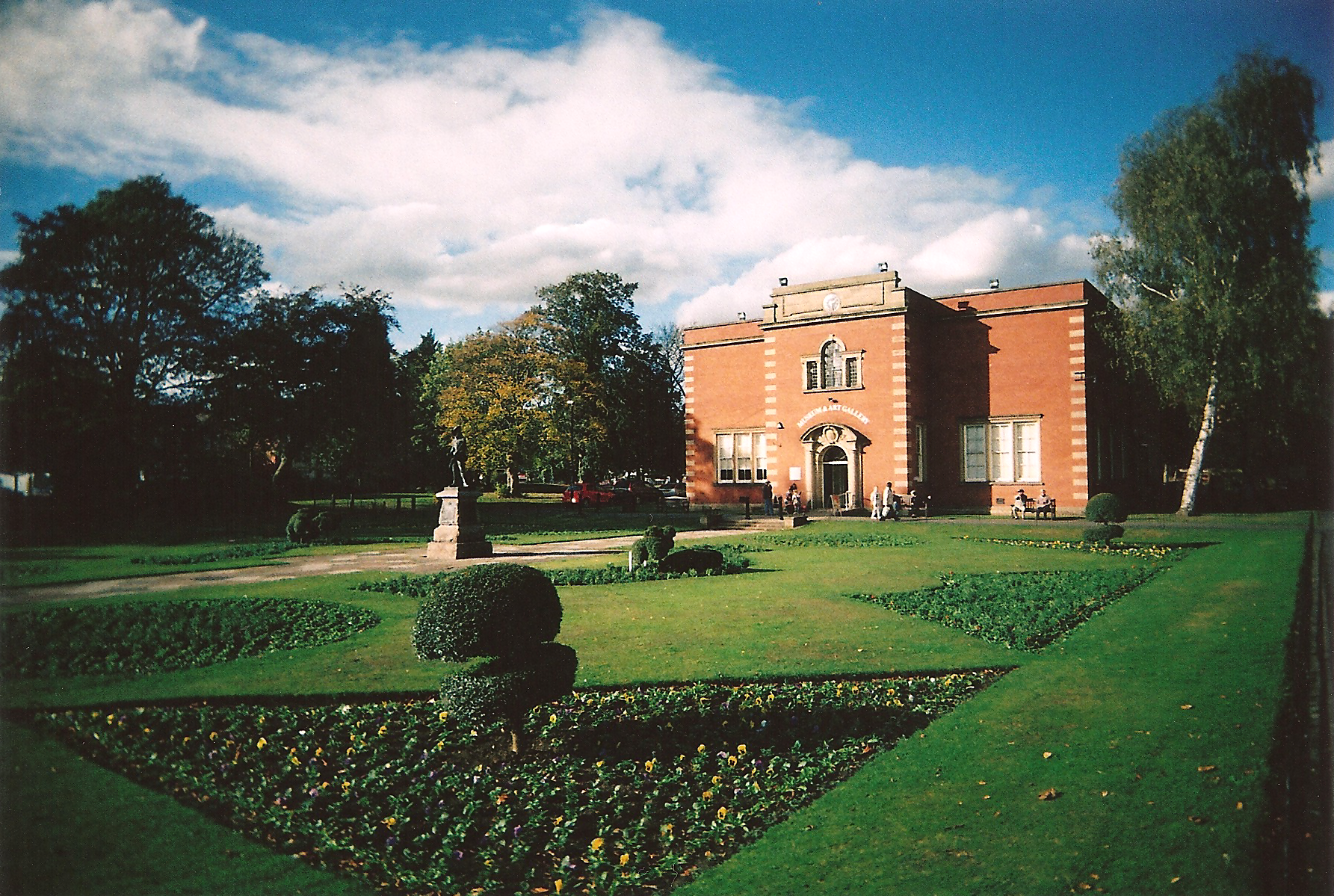 35mm Nuneaton Riversley Park Museum