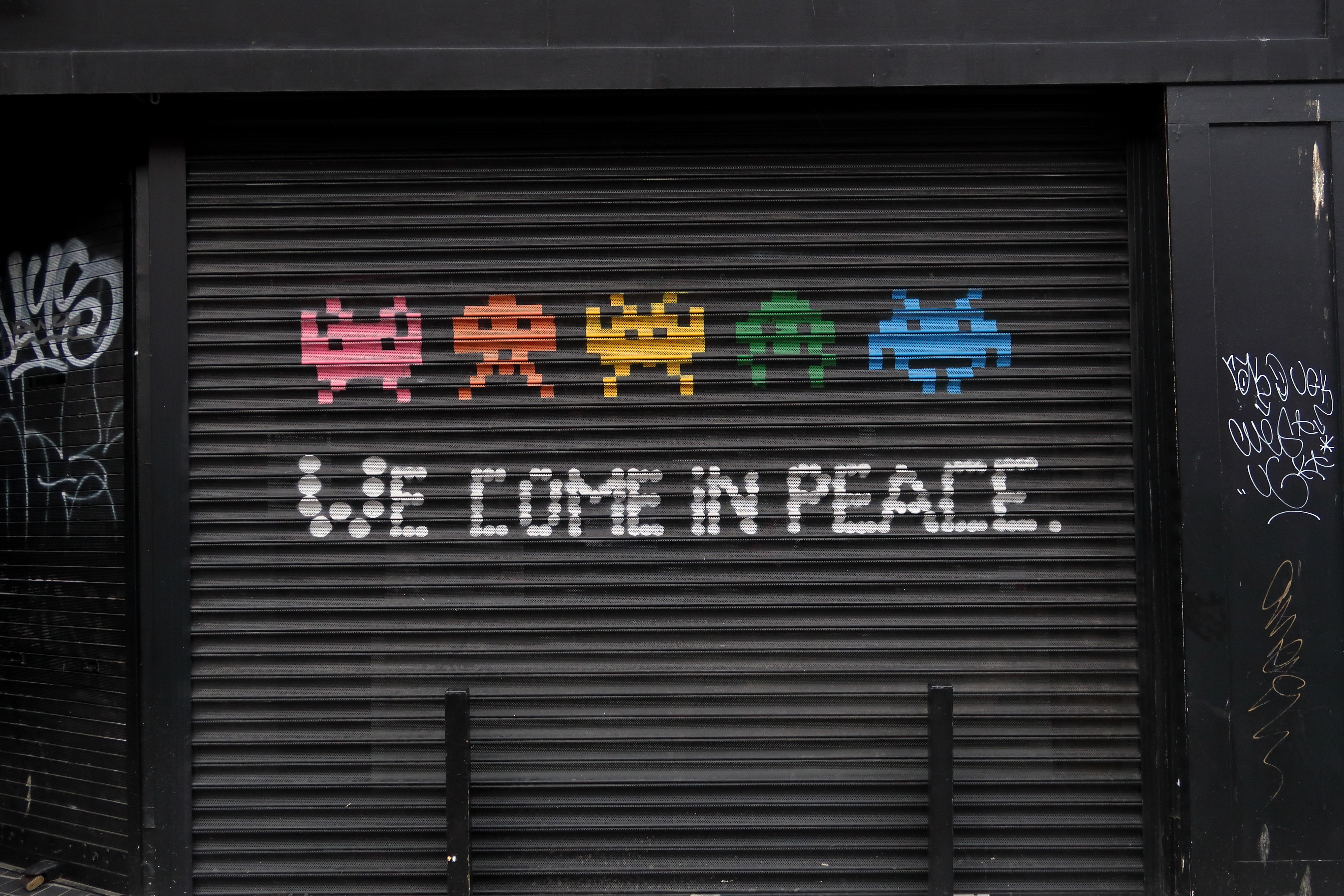 41 Dublin Street Art - We Come In Peace.