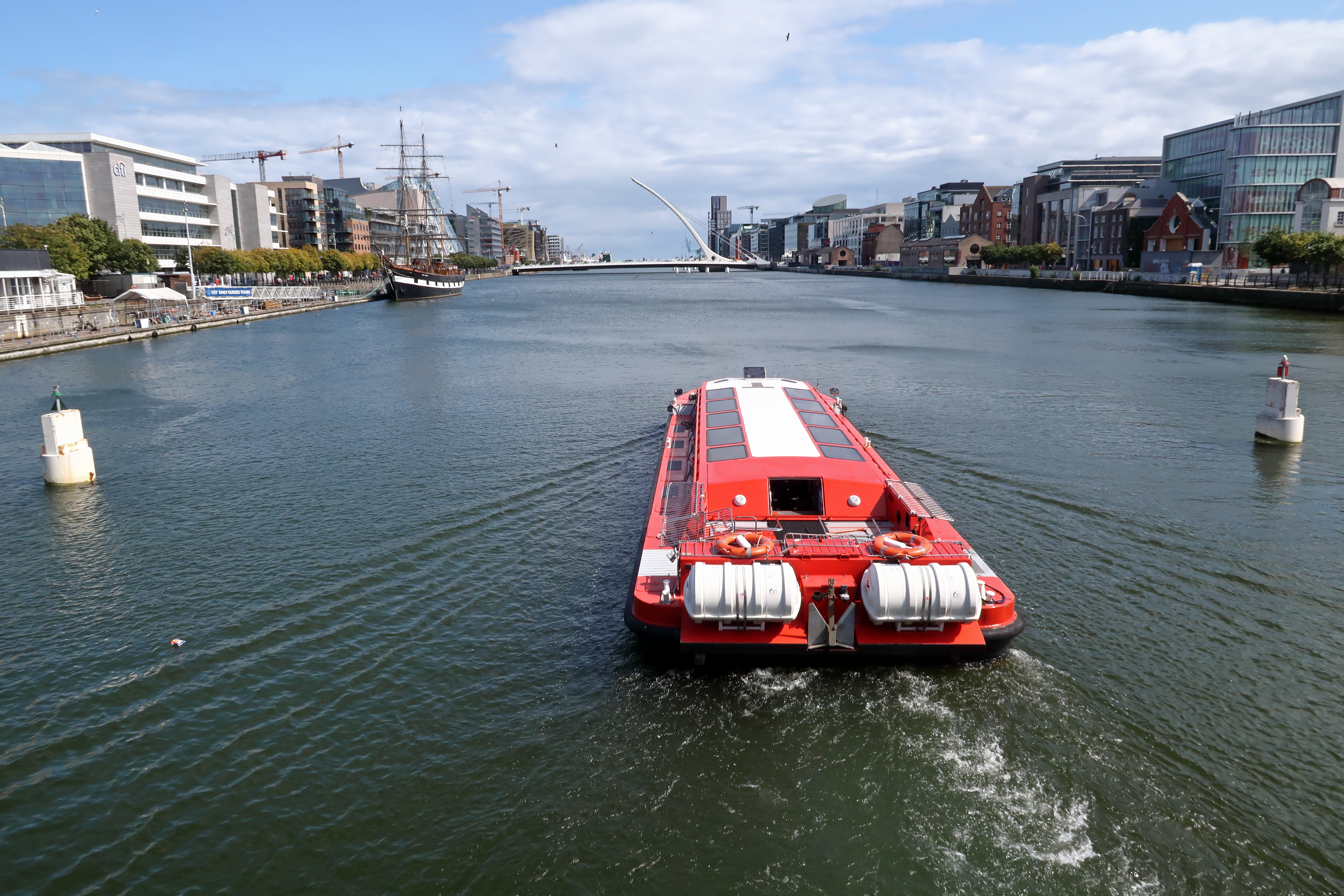 22 Tour on the River Liffey
