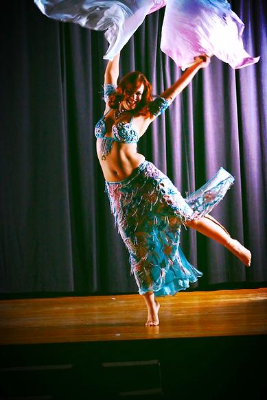 Chicago Belly Dance, Chicago Belly Dancer, Chicago wedding entertainment, Birthday party ideas chicago, Belly Dance Classes in Chicago